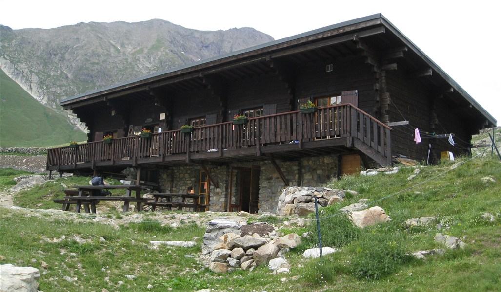 Refuge Communal de la Muzelle (2115 m)