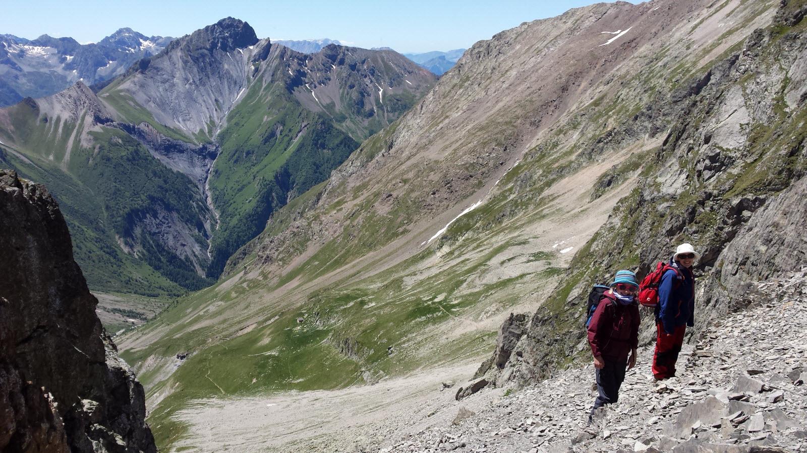 En descendant du Col de la Muzelle (2613 m)